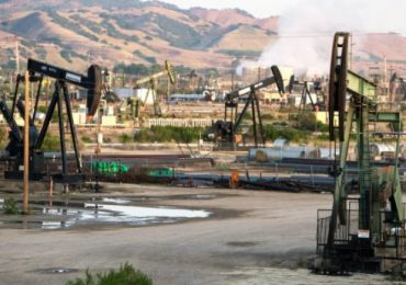 1,650 Illegal Oil Wells Still Polluting California Aquifers